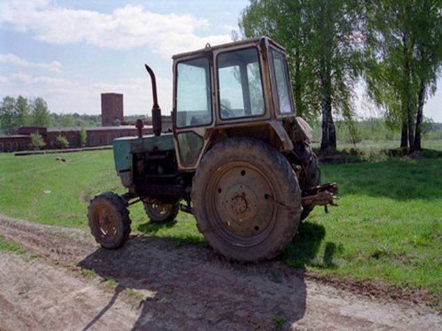 При покупке - трактор в подарок!